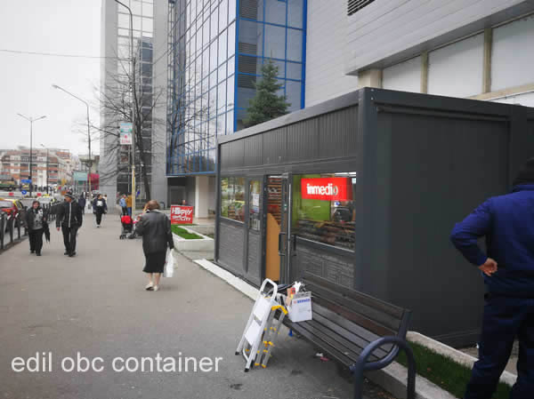container chiosc stradal ziare