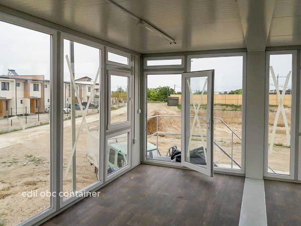 container etaj vitrat casa