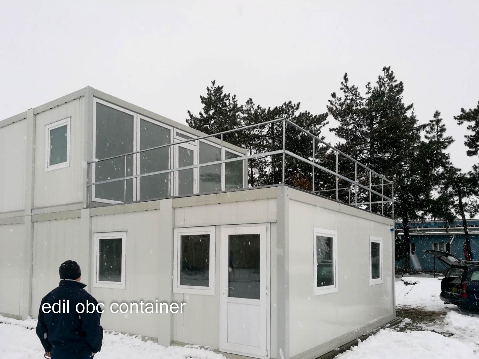 container birou cu terasa la etaj